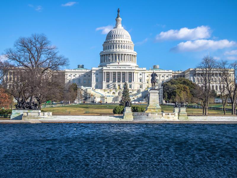 """Сенат США принял проект военного бюджета, в котором предусмотрены санкции против """"Северного потока"""" и """"Турецкого потока"""""""" />"""