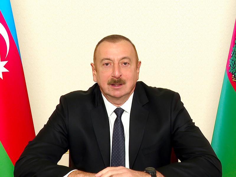 Президент Азербайджана Ильхам Алиев заявил о переходе прилегающего к Нагорному Карабаху Лачинского района под контроль Баку