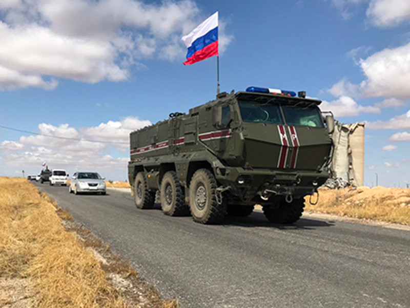 Военная полиция РФ направила подкрепление в сирийский район Айн-Иса из-за нестабильной обстановки