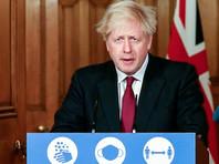 Джонсон объяснил, что во многих частях юго-восточной Англии распространяется новый вариант коронавируса, о котором было объявлено в начале этой недели. В этих регионах растет число госпитализаций