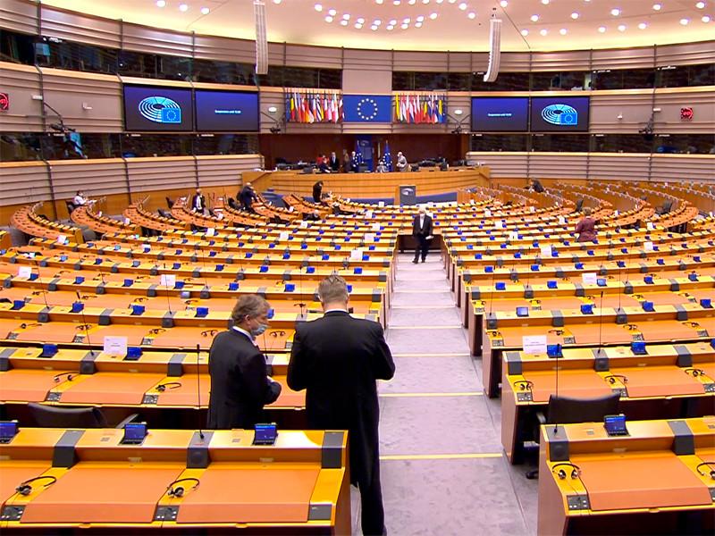 В четверг Европарламент принял резолюцию о преследовании российского оппозиционера Алексея Навального. За документ голосовали 581 депутат - представители крупнейших фракций Европарламента, против - только 50
