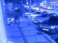 """Напавший с ножом на россиян в Стамбуле принял их за """"посланников дьявола"""""""