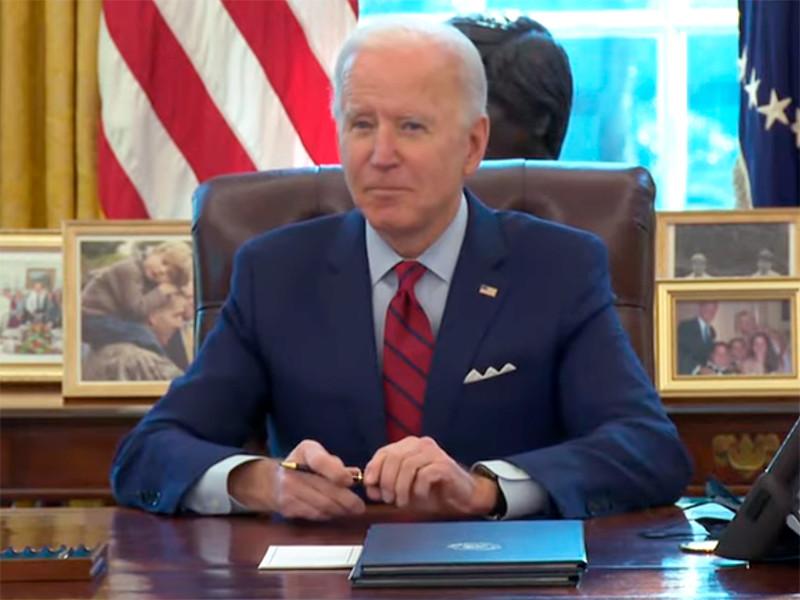 Белый дом сообщил, что новый президент США Байден в разговоре с Путиным потребовал освободить Навального