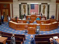 Начавшееся 6 января заседание было прервано после того, как конгрессмены утвердили 12 голосов выборщиков из 538. Процедуру пришлось прервать после того, как протестующие ворвались в здание Капитолия: правоохранители первоначально не смогли сдержать поток людей