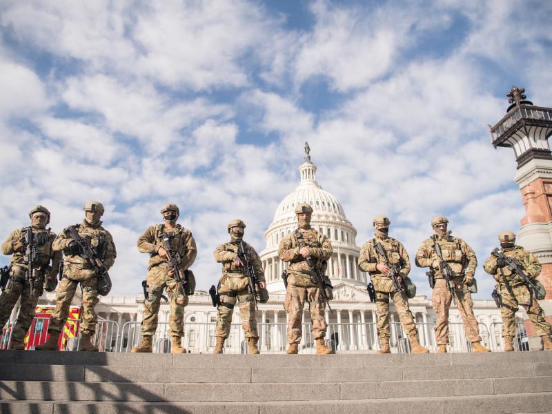 ФБР проводит внутреннюю проверку Нацгвардии США перед инаугурацией Байдена