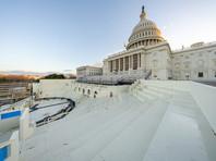 Палата представителей Конгресса США приняла резолюцию, призывающую вице-президента Майка Пенса отстранить действующего президента Дональда Трампа от должности. Согласно результатам голосования, резолюцию поддержали 223 законодателя, против выступили 205