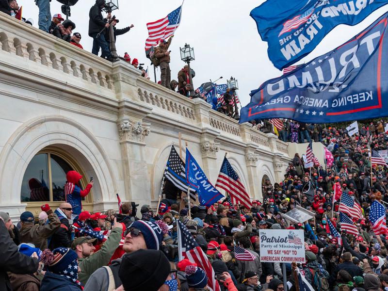NYT: два банка заявили о разрыве сотрудничества с Трампом после беспорядков в Вашингтоне