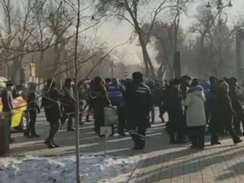 В Казахстане всех задержанных участников протестов отпустили из полиции