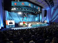 Лукашенко раскритиковал владельцев смартфонов и айфонов на Всебелорусском народном собрании