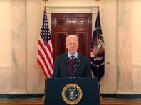 Президент США Джо Байден объявил пятидневный траур по умершим от коронавируса в стране, и потребовал приспустить все флаги, в том числе над Белым домом