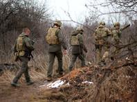 ознакомился с оперативной ситуацией в нескольких сотнях метров от линии соприкосновения и пообщался с военнослужащими