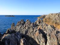 Этот архипелаг является предметом территориального спора между Японией, Китайской Республикой и Китайской Народной Республикой