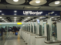 """Прибывающие в Великобританию будут проходить карантин в """"коронавирусных отелях"""""""