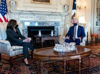 Президент США Джо Байден и вице-президент Камала Харрис проведут церемонию минуты молчания в память о скончавшихся от коронавируса