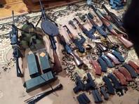 Во время обыска дома у Авидзбы были обнаружены и изъяты ручные пулеметы, автоматы, пистолеты и боеприпасы к ним в большом количестве, ручные противотанковые гранатометы и средства специальной связи