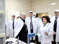 """Лукашенко настораживает """"гонка вакцин"""", как будто специально подогревающая пандемию"""