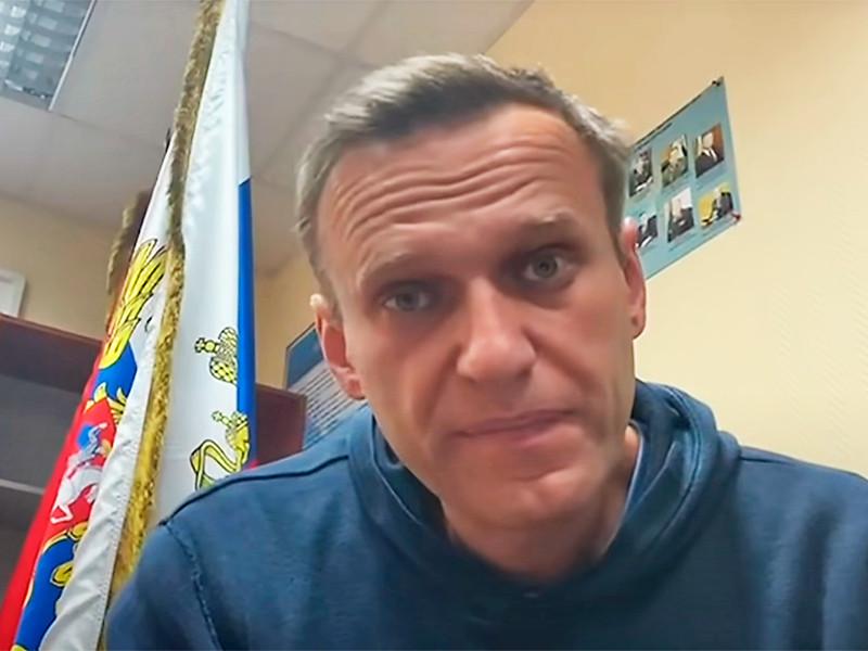 Меркель и Макрон на видеовстрече с Путиным призвали его уважать права Навального