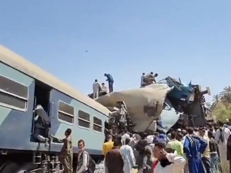 В Египте при столкновении двух поездов погибли более 30 человек