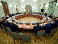 Совет национальной безопасности и обороны (СНБО) Украины ввел экономические и другие ограничительных меры в отношении бывшего президента страны Виктора Януковича и других высокопоставленных экс-чиновников, а также бывших украинских правоохранителей, говорится на сайте президента Украины