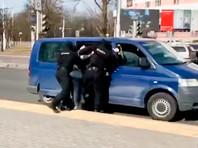 """Белорусские силовики заявили о """"нулевой"""" протестной активности, но наводнили Минск спецтехникой. А Лукашенко сыграл в хоккей (ВИДЕО)"""