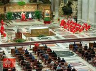 Папа римский Франциск второй год подряд на фоне пандемии коронавируса отслужил мессу в Вербное воскресенье, которое отмечает Католическая церковь за неделю до Пасхи. Понтифик призвал молиться за всех жертв насилия