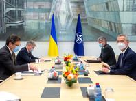 Генеральный секретарь НАТО Йенс Столтенберг встретился в Брюсселе с главой МИД Украины Дмитрием Кулебой