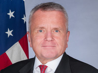 США не будут отзывать или менять своего посла в России