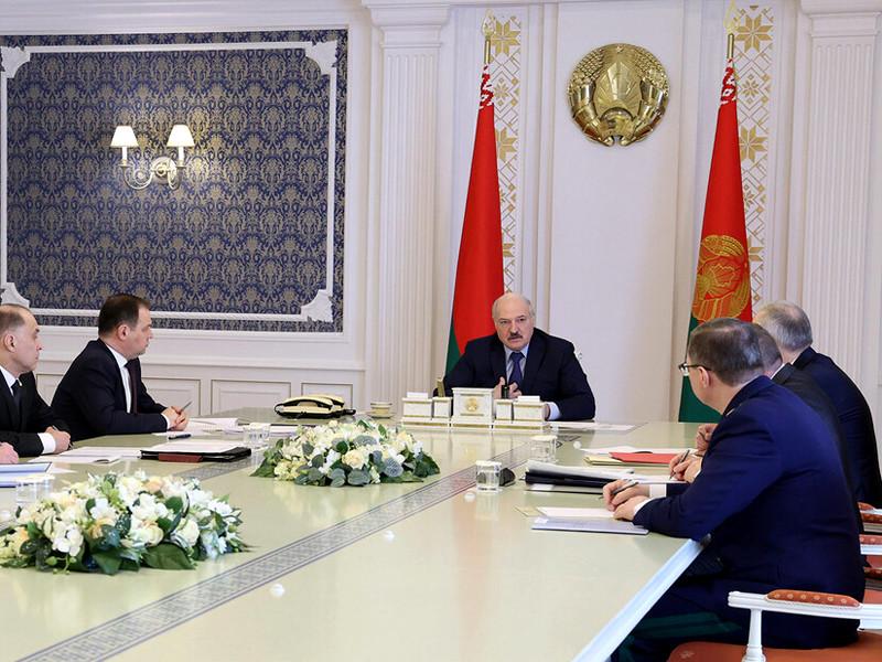 Президент Белоруссии Александр Лукашенко провел совещание по вопросам оптимизации сети загранучреждений