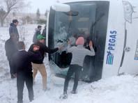 В Турции опрокинулся автобус с российскими туристами, погибла женщина (ВИДЕО)