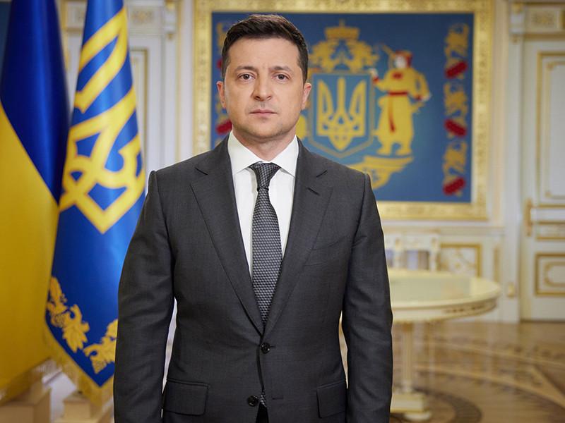 Президент Украины Владимир Зеленский подписал закон о новом виде военной службы, который позволит оперативно комплектовать резервистами воинские части всех вооруженных сил государства, не объявляя в стране мобилизацию