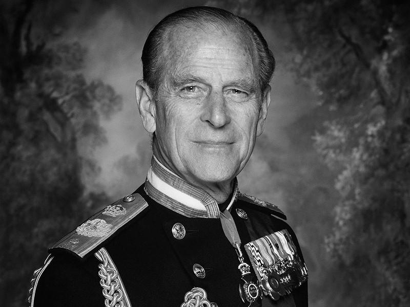 Королевская семья Великобритании сообщила о кончине супруга королевы Елизаветы II принца Филиппа