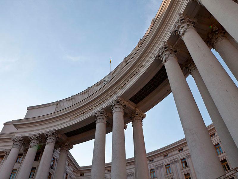 МИД Украины сообщил о высылке российского дипломата Черникова в ответ на высылку консула в Петербурге