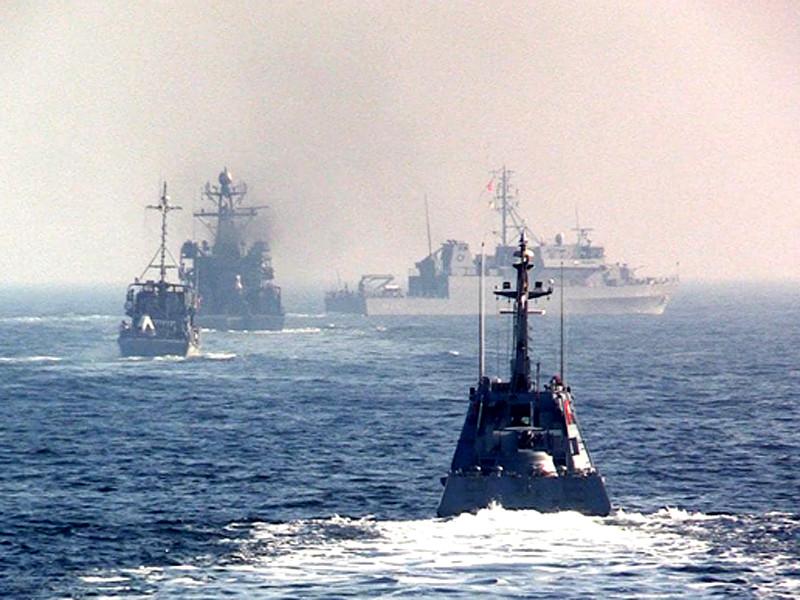 Украинский военно-морской флот начал учения в Черном море. Из-за этого ограничена работа крупных украинских портов Херсон, Ольвия, Черноморск, Одесса, Южный и Николаев