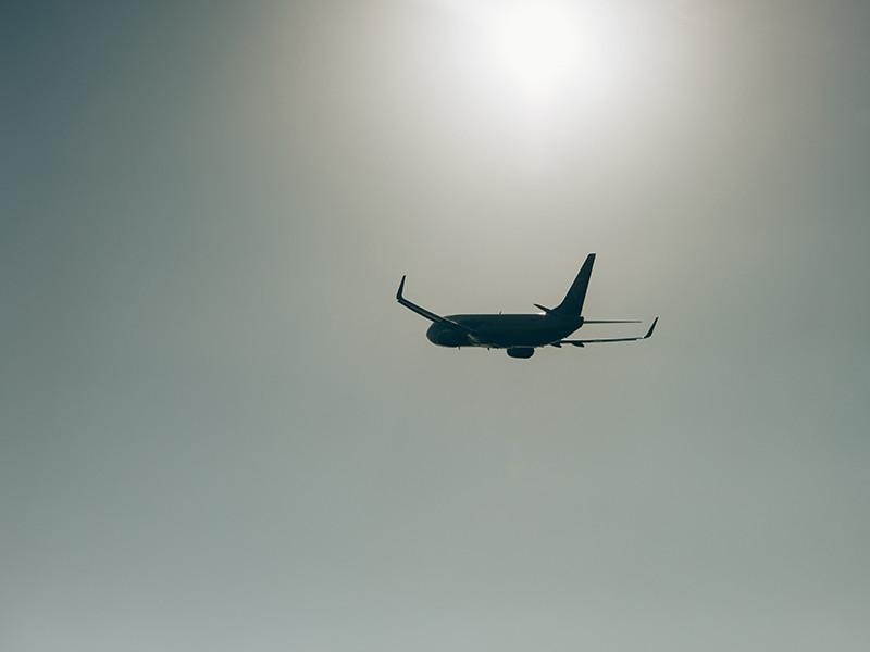 США предупредили авиакомпании об опасности полетов вблизи границы РФ и Украины