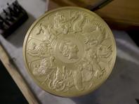 Королевский монетный двор в Великобритании выпустил золотую монету весом в 10 кг и стоимостью £10 тысяч