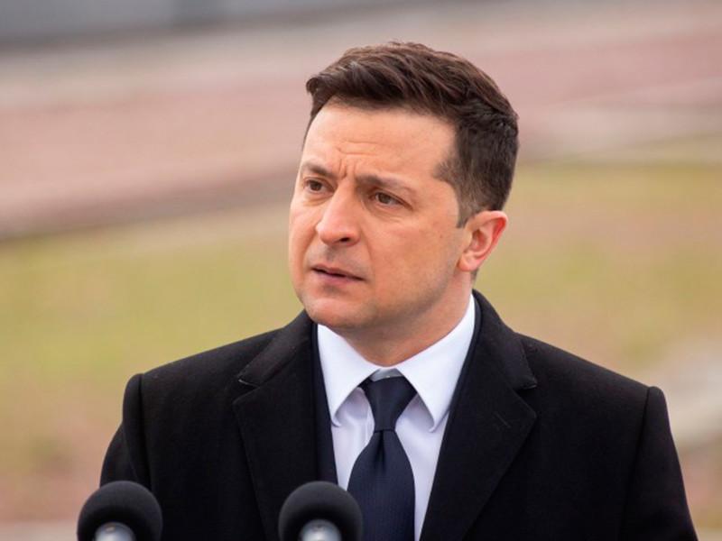 """Владимир Зеленский заявил, что готов встретиться с Владимиром Путиным и призвал сделать минский процесс """"более гибким"""""""