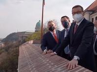 Виктор Орбан, Маттео Сальвини и Матеуш Моравецкий (на фото - слева направо)
