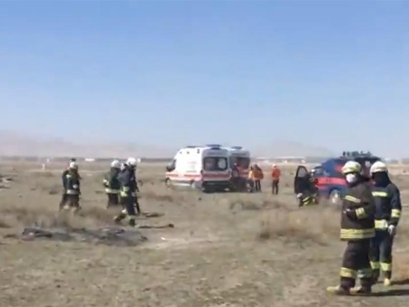 В Турции потерпел крушение истребитель, пилот погиб