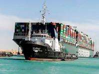 В прошлом месяце из-за контейнеровоза Ever Given длиной в 400 метров на несколько дней в Суэцком канале образовалась масштабная пробка из судов, контейнеровозов и танкеров