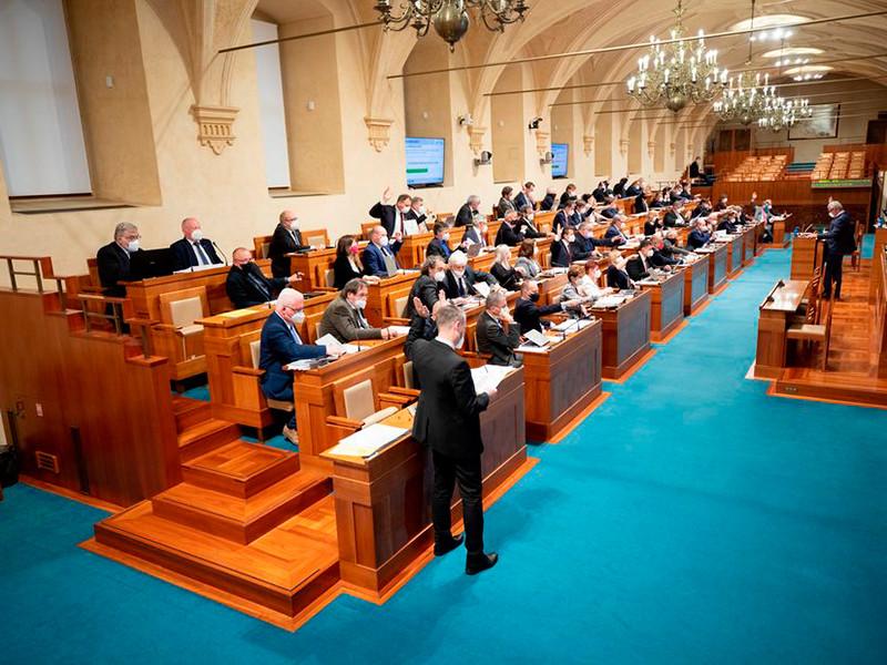 """Сенат Чехии призвал расторгнуть договор о дружбе с Россией после """"акта государственного терроризма"""""""