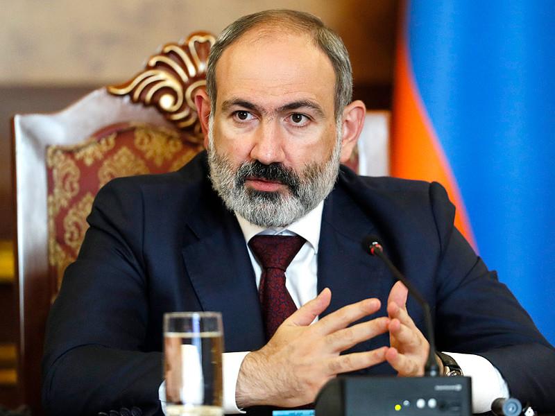 Исполняющий обязанности премьер-министра Армении Никол Пашинян предложил разместить на границе с Азербайджаном международных наблюдателей, представляющих Россию или другую страну - сопредседателя Минской группы ОБСЕ