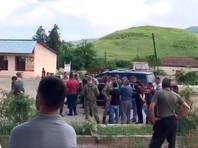 В армянском селе в Нагорном Карабахе попытались перекрыть путь азербайджанским военным