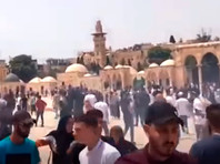 На Храмовой горе в Иерусалиме возобновились столкновения между израильской полицией и палестинцами