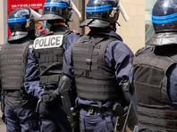 В Париже 1 мая проходит традиционная первомайская демонстрация. Колонны демонстрантов собрались в 10:00 по местному времени на площади маршала Жуана, откуда начали движение в сторону площади Республики. Там в 14:00 и началась всеобщая демонстрация. Шествие проходило в плотном кольце полицейских