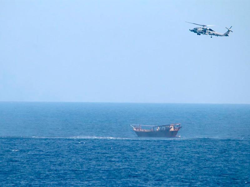 Ракетный крейсер ВМС США USS Monterey задержал в северной части Аравийского моря судно, на борту которого находилась партия современного оружия российского и китайского производства