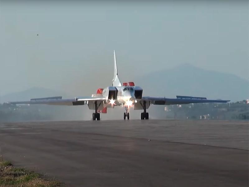 """На сирийскую авиабазу Хмеймим впервые прибыли российские """"убийцы авианосцев"""" Ту-22М3"""