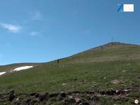 """Минобороны Армении 12 мая заявило, что азербайджанские военные """"под предлогом """"корректировки границ"""" пытались """"провести определенные работы"""" в одном из приграничных районов и прекратили их после вмешательства армянских подразделений"""