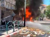 """Днем в субботу из сектора Газа возобновились ракетные обстрелы центра Израиля, по предварительным данным, есть новые жертвы среди израильтян. В 13:29 сирены тревоги """"Цева адом"""" были слышны в Холоне, Бат-Яме, Тель-Авиве, Яффо, Рамат-Гане, Ришон ле-Ционе и других населенных пунктах"""