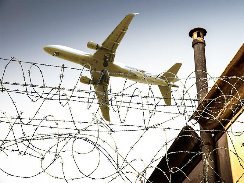 США приостанавливают исполнение соглашения 2019 года о воздушном сообщении между Белоруссией и США. Оно давало право авиакомпаниям двух государств летать и приземляться в обеих странах