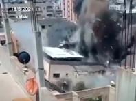 Израильская авиация нанесла удар по одному из домов в Секторе Газа, 18 мая 2021 года